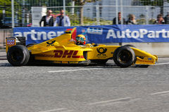 Barry Walker in a Jordan EJ12 formula one racing car Stock Images