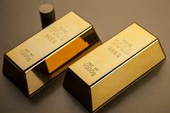 Bars d'or ! Argent et financier photo libre de droits