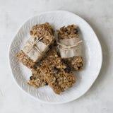 Bars de granola faits maison images stock