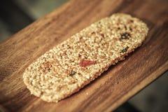 Bars de miel avec des graines de sésame Image libre de droits