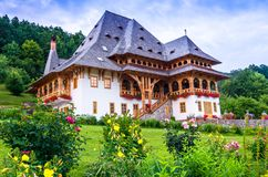 Barsana修道院复合体, Maramures 免版税图库摄影