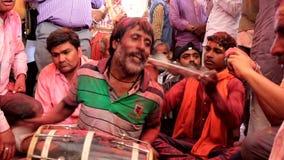 Barsana, India - 20180223 - Holi-Festival - Woeste Slagwerker Gets Encouragement stock videobeelden