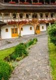Barsana klosterkomplex i Maramures Arkivfoton