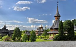 Barsana-Klosterkomplex in Maramures Stockfotografie