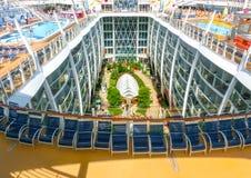 Barselona, Spaine - 2015年9月06日:皇家加勒比,海的魅力 免版税库存图片