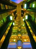 Barselona Spaine - September 06, 2015: Detaljerna av mer interier av tjusning för kryssningskepp av haven av kungligt karibiskt Arkivbild