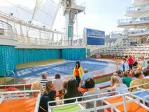 Barselona Spaine, Wrzesień, - 06, 2015: Statku wycieczkowego urok morza posiadał Królewskiego Karaibskiego zawody międzynarodowi Obrazy Royalty Free