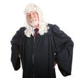 Barsk brittisk domare Royaltyfri Fotografi