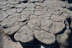 Barsten op de rots, natuurlijke textuur Royalty-vrije Stock Fotografie