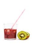 Barstende glas en kiwivruchten Royalty-vrije Stock Foto's
