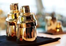 Bartender εργαλεία στο μετρητή φραγμών Στοκ Φωτογραφίες