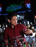 Bartender making drink Royalty Free Stock Photos