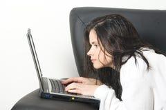 barth laptop woman Στοκ φωτογραφία με δικαίωμα ελεύθερης χρήσης