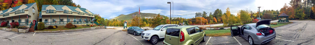 BARTLETT, NH - OCTOBER 2015: Tourists cars parked in Bartlett. B