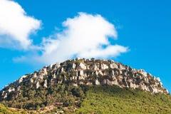Bartolo Mountain near strand Bolonia, landskap Cadiz, Andalucia, Royaltyfria Foton