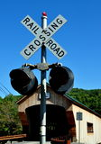 Bartonsville, VT:  Railroad Crossing Light & Covered Bridge Royalty Free Stock Photos