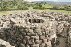 BARUMINI, Sardinige, Italië - Februari 23, 2019: De ruïnes van Su Nuraxi dichtbij Barumini in Sardinige royalty-vrije stock foto