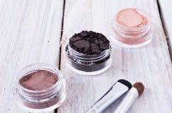 Barwiący kobiety ` s muśnięcia i kosmetyki Obrazy Stock