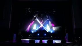 Barwiący scen światła, lekki przedstawienie przy koncertem Światła i dymu przedstawienie zdjęcie wideo