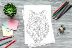 Barwić obrazek dla dorosłych na drewnianego tła odgórnym widoku Obrazy Stock
