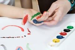 Barwić ręki farbę Fotografia Royalty Free