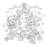 Barwić strona kontur dzieci z prezentami przy choinką ilustracji