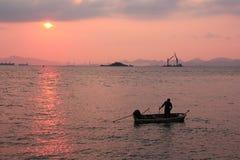 barwi ciemności horyzontalnego naturalnego fotografii morza wschód słońca obrazy stock