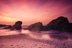 barwi ciemności horyzontalnego naturalnego fotografii morza wschód słońca Zdjęcie Stock
