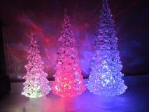 Barwiący akrylowi drzewa z akrylowym koniem obrazy royalty free
