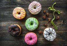 Barwiący asortyment donuts Zdjęcia Stock