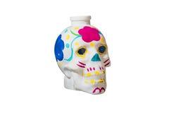 Barwiona ludzka czaszka odizolowywająca na białym tle Fotografia Royalty Free