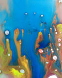 Barwione ciecza oleju i wody krople Zdjęcie Stock