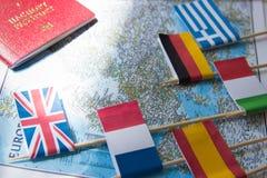 Barwione flaga kraje europejscy na mapie: Francja, Włochy, Anglia UK, Hiszpania, Grecja, podróży miejsca przeznaczenia planistycz fotografia royalty free