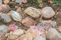 Barwione skały i kamienie obraz stock