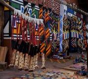 Barwioni afrykanów ornamenty robić koraliki i a Fotografia Stock