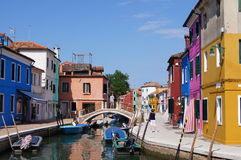 Barwioni domy w Burano Obrazy Royalty Free