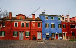 Barwioni domy w Burano w zarządzie miasta Wenecja w Włochy Obraz Royalty Free
