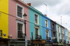Barwioni domy w Notting wzgórzu Londyn obrazy royalty free