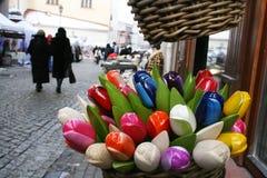 Barwioni drewniani tulipany Zdjęcia Stock