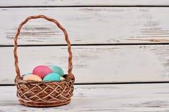 barwioni koszy jajka Fotografia Royalty Free