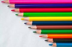 barwioni ołówki na białym tle Fotografia Royalty Free