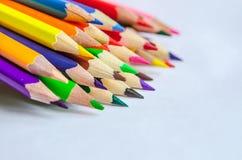 barwioni ołówki na białym tle Obrazy Royalty Free