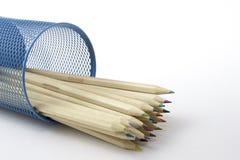 Barwioni ołówki w ołówkowym pudełku Bezpłatni królewskość wizerunki Zdjęcie Stock