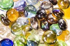 barwioni szklani kamienie Denni otoczaki Obraz Royalty Free