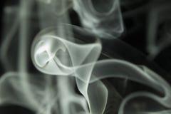 Barwiony dym z prostym tłem Fotografia Royalty Free
