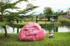 Barwiony kamień w rozrywka parku Manneken fotografia royalty free