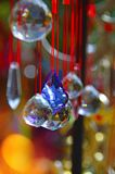 Barwiony szkło i miedziany wiatrowy chime, zdjęcie stock