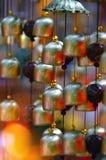 Barwiony szkło i miedziany wiatrowy chime, zdjęcie royalty free