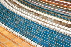 Barwionych płytek ceramiczny bruk Nowożytny szklany mozaiki tło, tekstura zdjęcie stock