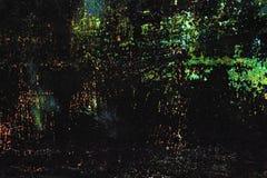 Barwionych zieleni błyszczący ściegi, narysy, punkty na czerni malowali kruszcowego tło obraz stock